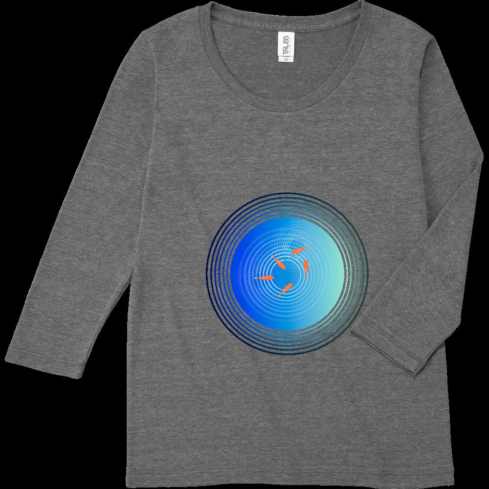 金魚と水面の波紋 トライブレンド7分袖レディースTシャツ