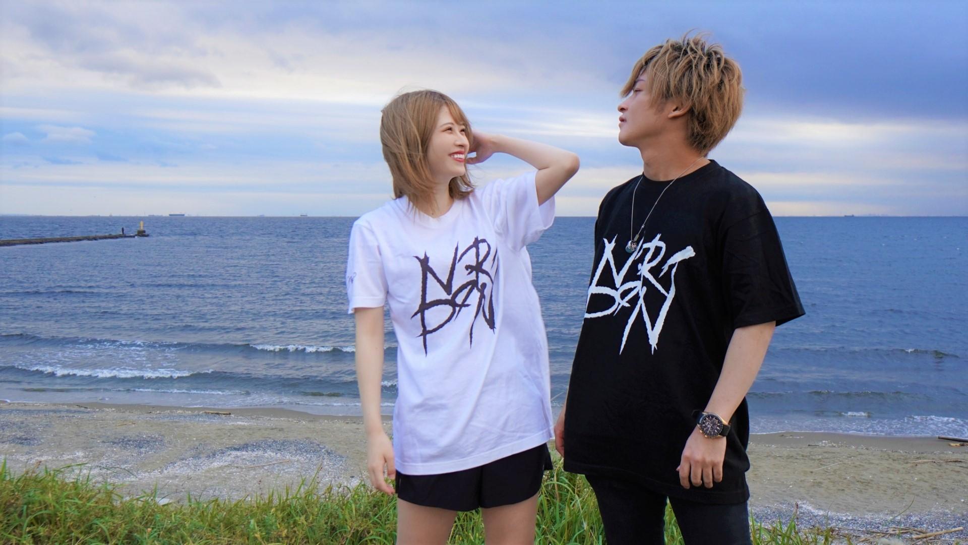 のりぽんの意外にカッコいいTシャツ 黒ver 定番Tシャツ