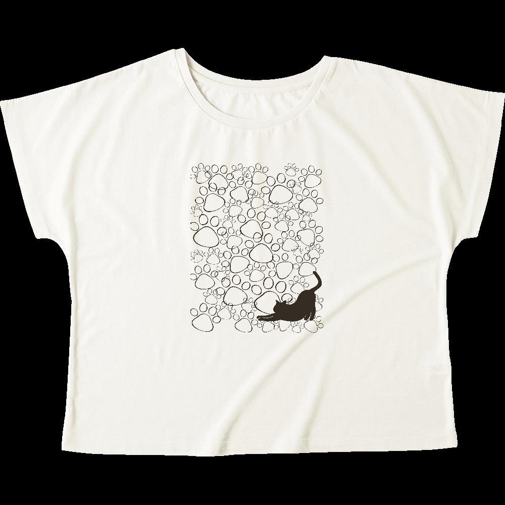 たくさんの肉球の中にさりげなく猫シルエット入り ウィメンズ ドルマン Tシャツ